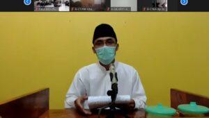 """Ustad Endri Sulityo mengisi pengajian akbar DPD LDII Sleman bertemakan """"Syukur, Sabar, Tawakal dan Berprasangka Baik dalam Menghadapi Cobaan COVID-19""""."""